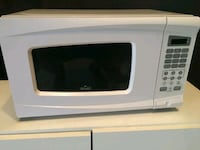 white General Electric microwave oven Hollywood, 33020