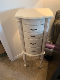 Jewelry armoire standing box   Windermere, 34787