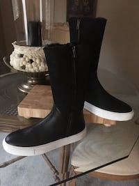 """New lady's  black  Boemos boots two tone look leather and suede inspired..... look of the sneaker has fur lining inside made in Italy size 9 is 12"""" high"""