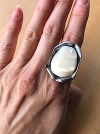 Real silver ring with mother of pearl Toronto, M6G 2Y5