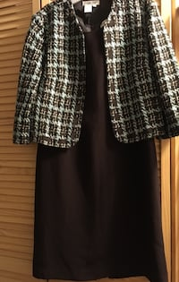 """Cold water""brown and green blazer and dress size 10 Cleveland, 37311"