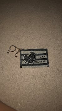 Juicy couture coin pouch with keychain Dearborn, 48128