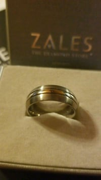 NEW sz9 Titanium mens Zales ring with box Emerson, 30137
