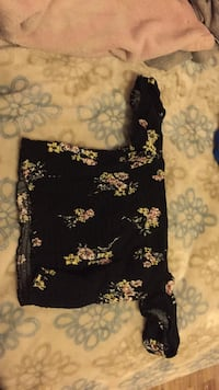 Really pretty off the shoulder shirt from garage was $20 Port Coquitlam, V3C 1N2