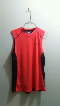 Mens medium fitted under armour tank muscle shirt Edmonton, T5E 2T3