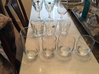 Assorted drinking glass set