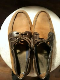 pair of brown leather boat shoes Winchester, 22601