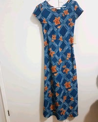 cute floral maxi dress size small Vancouver, V5S 2N8