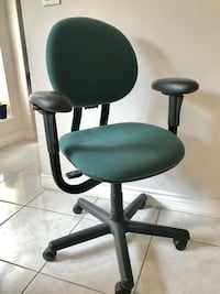 Steelcase fully adjustable gesture office chair 3748 km