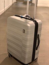 Luggage Tracker - brand new - never used Surrey, V3T 0L3