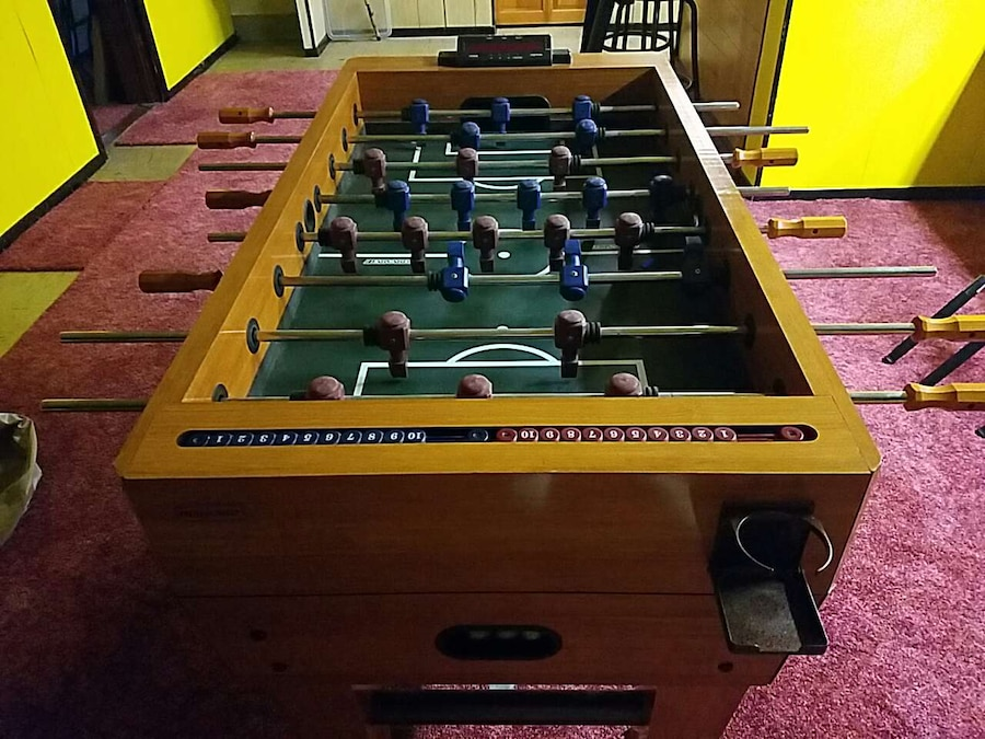 letgo - brown and green foosball table in Harbor View, OH