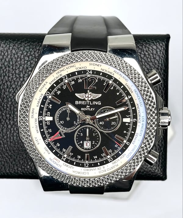 Breitling Bentley GMT Special Edition XL 49mm 6c1c857e-2ff6-4be2-928b-8c6d58ea16be