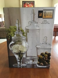 clear glass decanter with box Orono, 55359