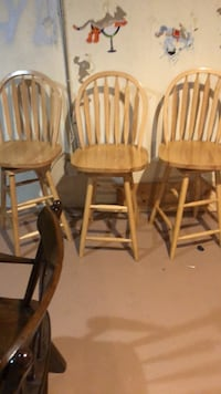 two brown wooden windsor chairs Blue Point, 11715