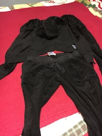 Woman's juicy sweat pant outfit