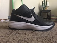 Size 7.5 blk/white Nike Basketball high tops