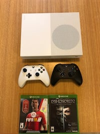 Xbox one S 1TB console with 2 controllers and Fifa 18 and Dishonored 2 Ewing, 08618