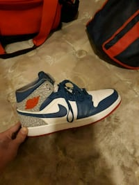 pair of blue-and-red Nike basketball shoes Philadelphia, 19125