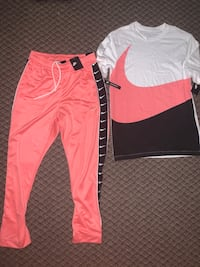 Nike pants and shirt set