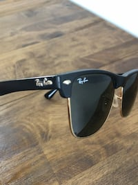 black/gold ray-ban clubmaster  Chicago, 60614