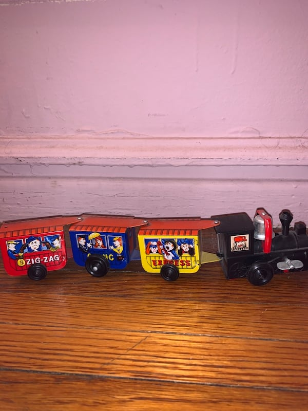 Vintage metal tin wind-up toy train bell works kid baby play 171818a6-9e46-4dfe-8ad9-f0ff37988d4d