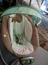 baby's white and green bouncer Orlando, 32811