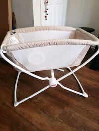 Fisher Price Soothing motions bassinet!!