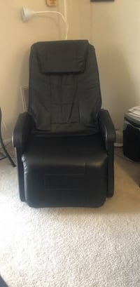 black leather padded rolling chair Rockville, 20850