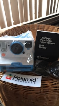 Polaroid OneStep2 viewfinder iType camera/ including 2 packs of film