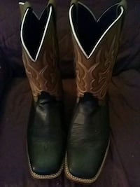 pair of black-and-brown leather square-toe cowboy  250 mi