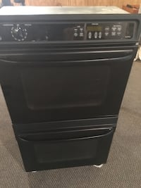 Like New Black GE Kitchen Appliances