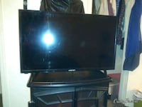 """Element 32"""" flat screen with remote"""