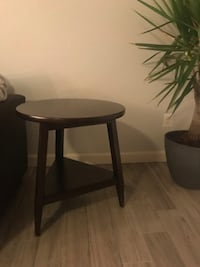 Brown end table Point Of Rocks, 21777