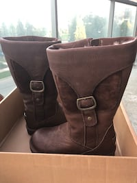 Brand New UGG Cargo Boots Brown Leather size 5 Toronto, M2N