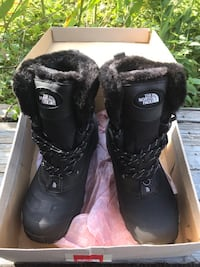 The north face fur-lined boots (size 14. runs small)