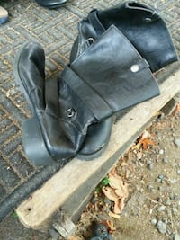 pair of black leather boots Centralia, 98531