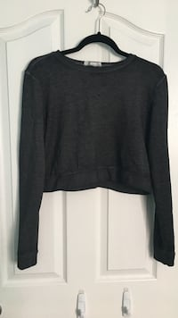 Forever 21 cropped crew neck sweater  3141 km