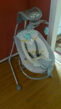 baby's gray and white swing chair Capitol Heights, 20743