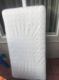 Crib mattress Tujunga, 91042