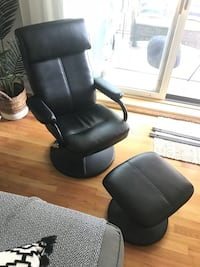 Black Leather Reclining Chair with Footrest  Chicago, 60657