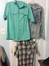 (3) Men shirt small