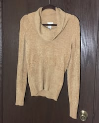 Gorgeous super soft golden sweater / small (New Wthout Tag)  Dover, 19904