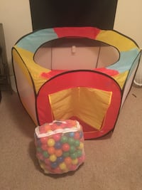 XL ball pit Oldsmar, 34677