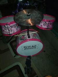 First act discovery drum set Edmonton, T5E 2K1