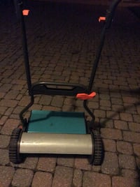MANUAL LAWN MOWER, like new condition and working very good Toronto, M2M 2P8