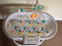 Soothing motion  fisher price bassinet Bethesda, 20814