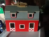 Kids wooden toy barn. Ontelaunee, 19605