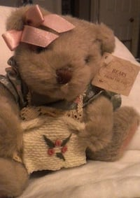 "Rare Russ Plush Bears from the Past ""Amanda"" the Bear with Knitting Las Vegas"