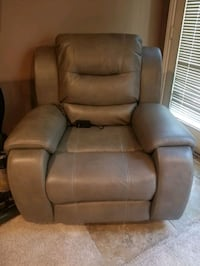 Leather Electric Recliner  Houston, 77065