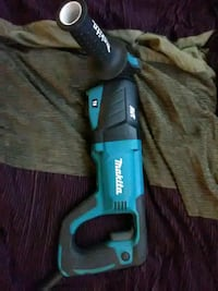 8 Amp corded Makita hammer drill. In excellent condition. Vancouver, 98664